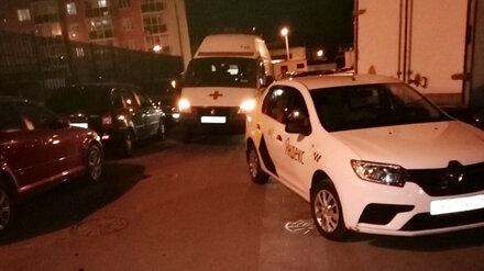 В Воронеже таксист преградил дорогу скорой помощи, ехавшей на вызов к ребёнку