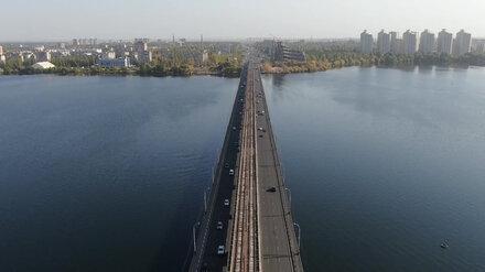 В Воронеже переплывавшего водохранилище мужчину унесло течением под Северный мост