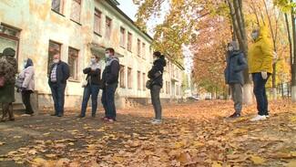Под Воронежем сельчане выстроились в многодневную очередь из-за тестов на COVID