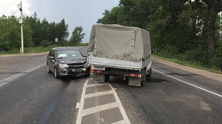 Два человека пострадали в ДТП с «Ладой» и «Газелью» в Воронеже