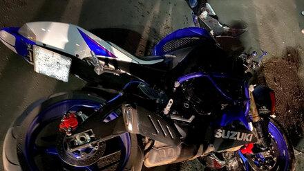 Под Воронежем 26-летний мотоциклист пострадал в ДТП с легковушкой