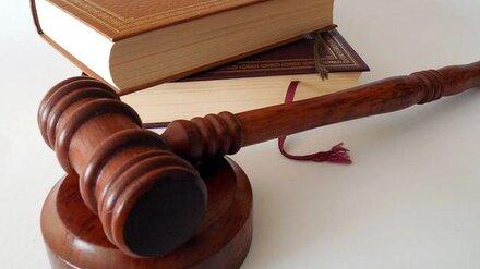 Убивший соседа из-за любовницы воронежец попал под суд