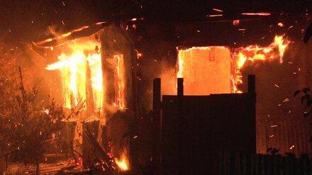 В Воронежской области в сгоревшем доме нашли тела двоих мужчин