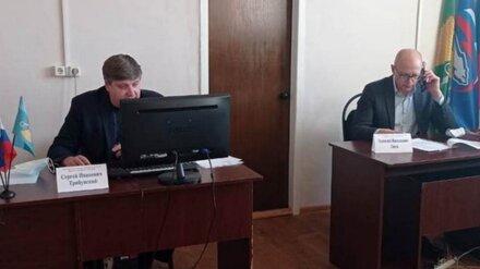 Жительница воронежского хутора попросила депутата о детской площадке