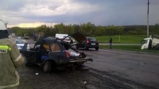 Родители погибли, дети в больнице – очередная трагическая авария в Воронежской области