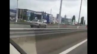 Под Воронежем ехавший по «встречке» ВАЗ попал на видео