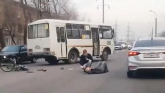 В Воронеже пассажирский автобус сбил велосипедиста