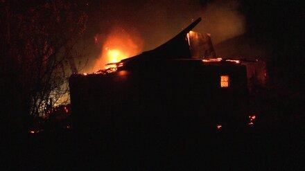 Под Воронежем ландшафтный пожар повредил жилой дом