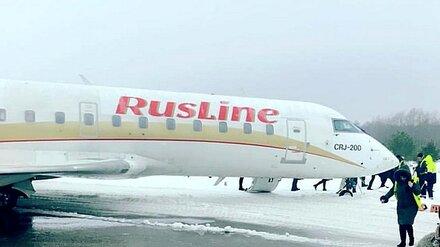 Авиакомпания рассказала о «выкатившемся в поле» самолёте в Воронеже