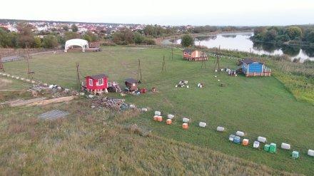 Воронежцам пообещали вернуть перекрытый фермером доступ к озеру