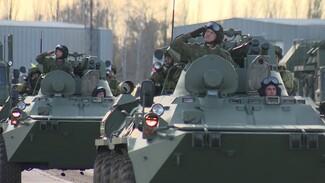 Воронежцам показали репетицию парада Победы на аэродроме