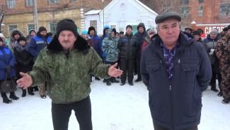 «Куда нам теперь деваться?» Работники попросили спасти старейший сахзавод в Воронежской области