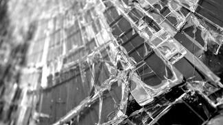 На трассе под Воронежем опрокинулся микроавтобус: водитель погиб