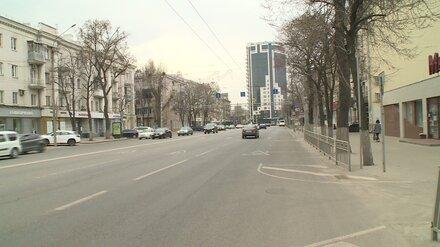 В Воронеже начали рисовать новую разметку на Плехановской