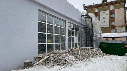 Воронежцев возмутили пластиковые окна и штукатурка-шуба на обновлённом Доме архитектора