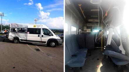 Правоохранители установили личности 2 погибших и 7 пострадавших в ДТП на воронежской трассе