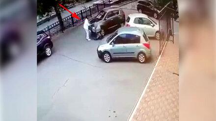 Наехавшего на коляску с младенцем воронежца лишили водительских прав