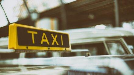 В центре Воронежа неизвестные избили таксиста