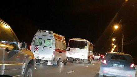 «Автотранс» прокомментировал видео с маршруткой, не пропустившей скорую в Воронеже