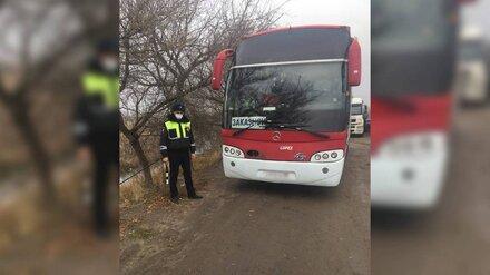 Автобус с 19 пассажирами застрял на воронежской трассе