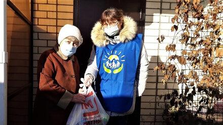 Воронежские волонтёры доставляют продукты одиноким пенсионерам