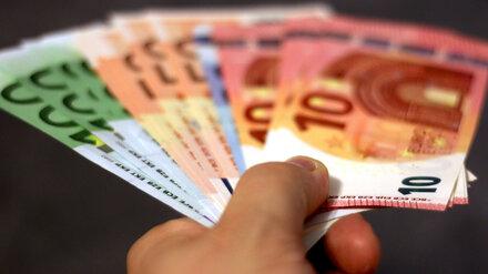 Курс евро впервые с 2014 года поднялся выше 94 рублей