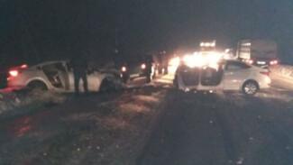 На воронежской трассе в лобовом ДТП 2 человека погибли и 5 пострадали