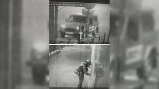 Автомобиль напавшего на отдел полиции в Лисках оформлен на 34-летнего местного жителя