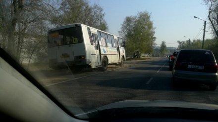 В Воронеже оштрафовали двух водителей маршруток, объехавших пробку по встречной полосе