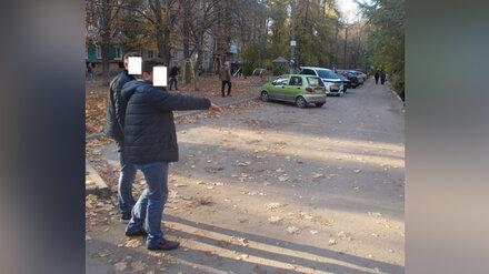 В Воронеже возле домов нашли зарезанного мужчину