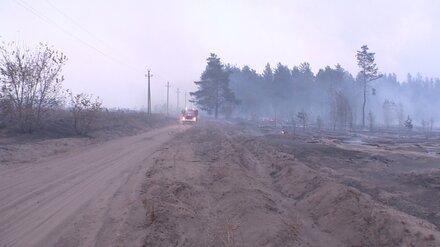 Мощный пожар в воронежском посёлке потушили спустя 19 часов
