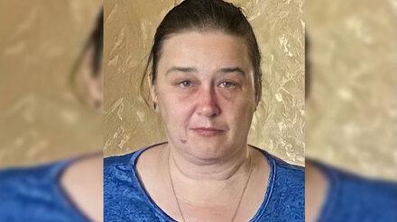 В Воронеже 44-летняя женщина вышла из дома и пропала
