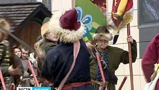 """Реконструкция битвы эпохи Смутного времени прошла в """"Центре Галерея Чижова"""""""