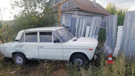 В Воронежской области 13-летний мальчик на «шестёрке» устроил ДТП: пострадала мать