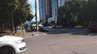 На тротуаре в центре Воронежа нашли тело мужчины