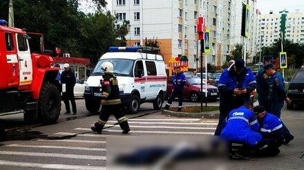 В Воронеже трое рабочих отравились газом в колодце: один погиб