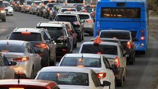 Страховщики назвали автомобилистам самые аварийные улицы Воронежа