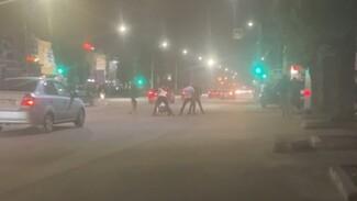 Массовая драка со стрельбой произошла ночью на Левом берегу Воронежа: появилось видео