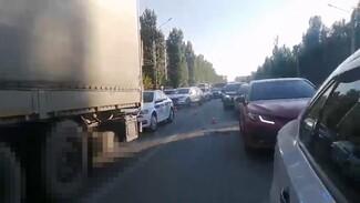 В Воронеже фура раздавила пешехода: появилось видео