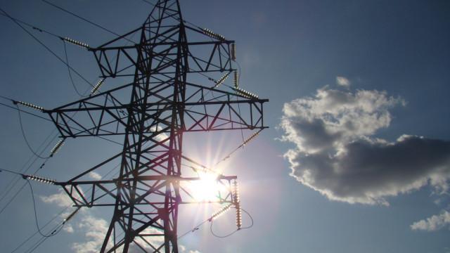 Энергетики вновь попросили воронежцев соблюдать осторожность в охранных зонах ЛЭП