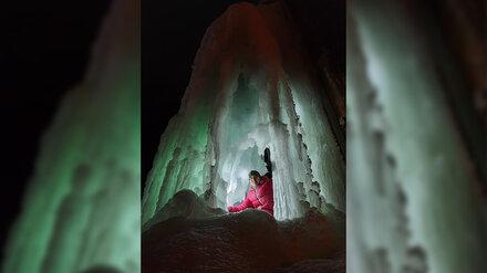 Экстремал нашёл под Воронежем сказочный ледяной грот