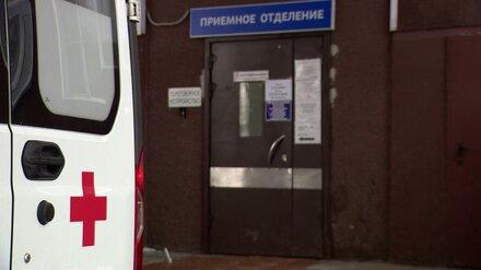 В Воронеже 24-летний парень попал в больницу после ДТП с деревом