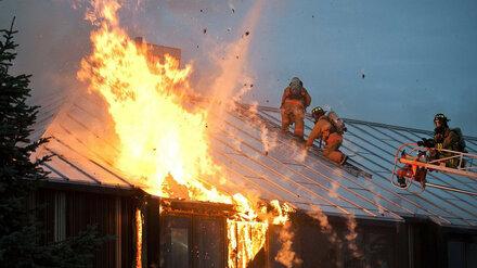 В Воронежской области после пожара пенсионеры попали в больницу с ожогами