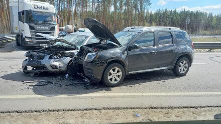 В Воронеже при столкновении двух иномарок пострадали водитель и пассажир