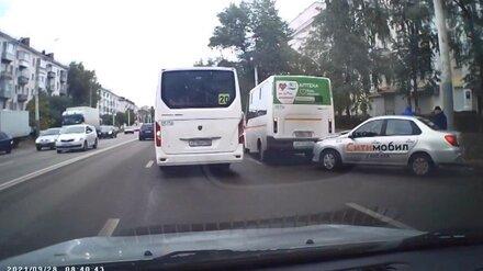 Стали известны подробности ДТП с участием маршрутки и такси на Левом берегу Воронежа