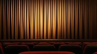 Какие песни известных авторов звучали в театральных постановках
