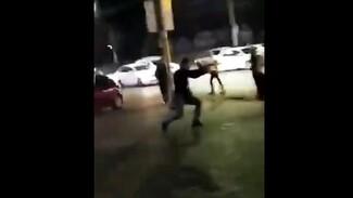 Воронежцы сняли на видео устроившего ночную стрельбу на Ленинском проспекте мужчину