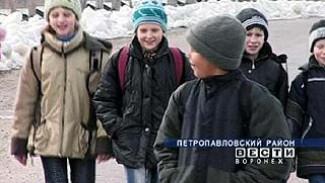 Шестой год ребята из села Замостье добираются в школу пешком