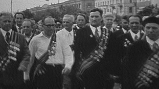 Тысячи зрителей и реальные герои войны. Как отмечали День Победы в советском Воронеже