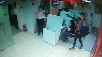 Казаха приговорили к 8 годам за вооружённое ограбление «Альфа-Банка» в Воронеже